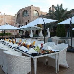 مطعم ومنتجع تل الرمان السياحي