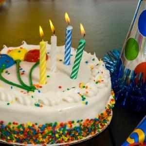 احتفل بعيد ميلاد اطفالك…