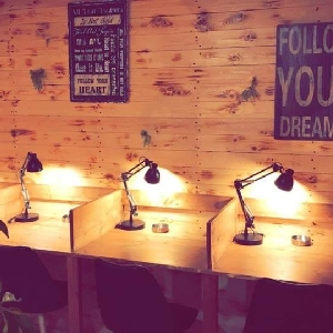 مقهى للدراسة في خلدا -…
