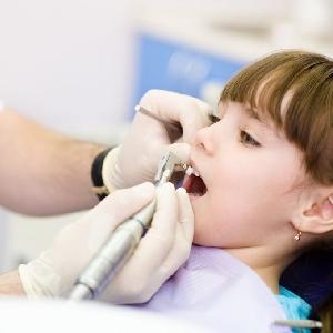 أخصائية طب أسنان اطفال…